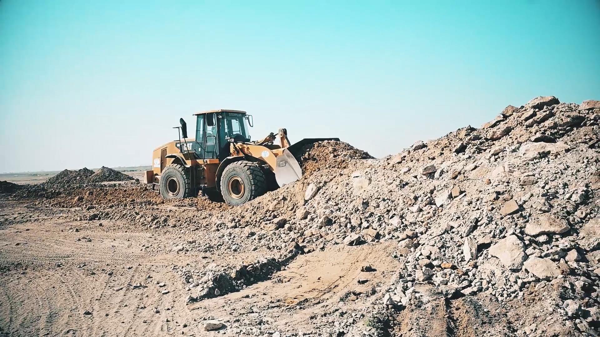 Limpieza y nivelación de terreno.